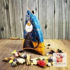 триъгълна ваза за цветя