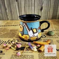 Забавна керамична чаша Кон