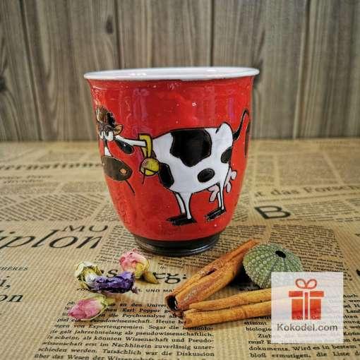 Арт червена чаша Крава