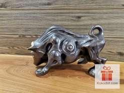 "Керамична фигура - ""метален"" бик - голям"
