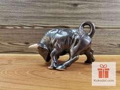"Керамична фигура - ""метален"" бик - малък"