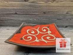 Керамична червена чиния