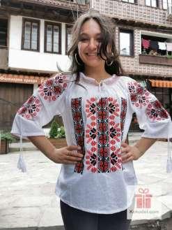 Бродирана риза с богата шевица 011