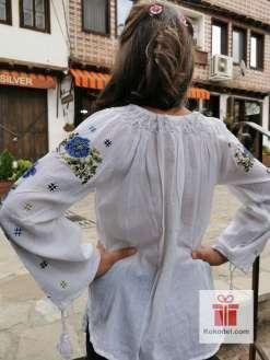 Бродирана риза Сини рози 015