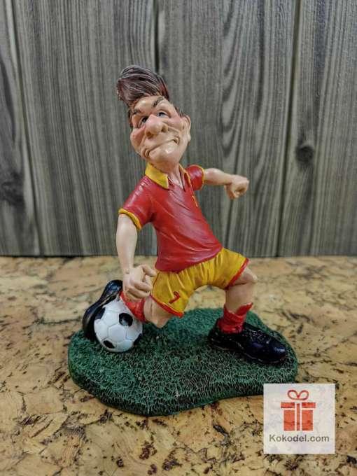 Статуетка футболист червен - Забавен подарък за футболен фен